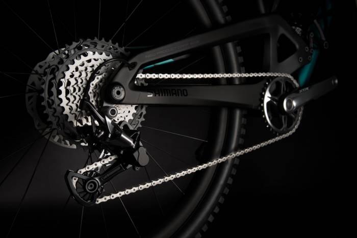 shimano-xtr-1x12-on-bike-700x467